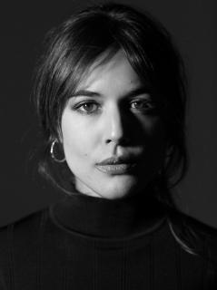 Adriana Ugarte en Vim Magazine [1109x1479] [154.74 kb]