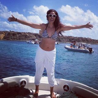 Alicia Senovilla in Bikini [640x640] [121.13 kb]