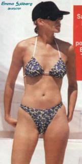 Emma Sjöberg en Bikini [302x600] [16.77 kb]