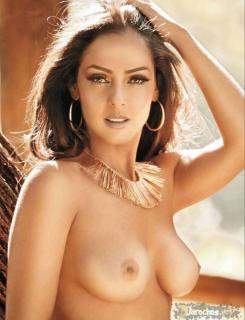 Andrea García en Playboy [988x1289] [126.38 kb]