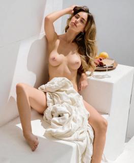 Anthea Page en Playboy Desnuda [1350x1631] [216.05 kb]