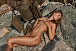 Maya Stepper en Treats! Magazine Desnuda [1000x667] [267.14 kb]