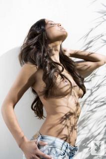 Raquel Pomplun en Playboy Desnuda [720x1080] [96.94 kb]