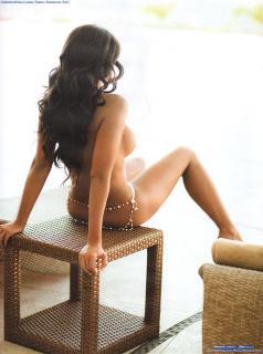 Julia Orayen en Playboy Desnuda [1600x2145] [371.21 kb]