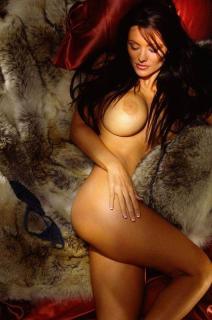 Aliya Wolf en Playboy [530x800] [78.27 kb]