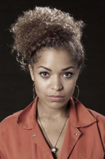 Antonia Thomas [1024x1536] [160.7 kb]