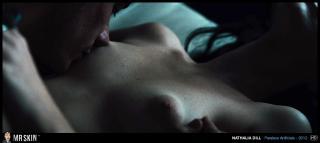 Nathalia Dill en Paraisos Artificiais Desnuda [1270x570] [110.92 kb]