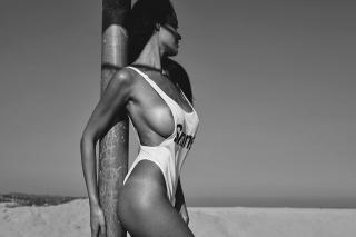 Eva Padlock en Topless [1280x853] [130.43 kb]