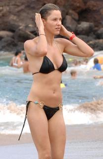 Jill Wagner en Bikini [1953x3000] [422.31 kb]