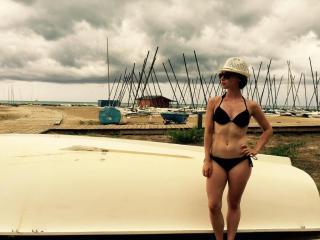 Elena Rivera en Bikini [1024x768] [129.74 kb]