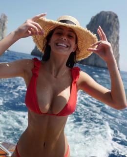 Camila Morrone [1080x1325] [164.4 kb]