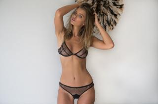 Kristina Mendonca Desnuda [1280x851] [112.67 kb]
