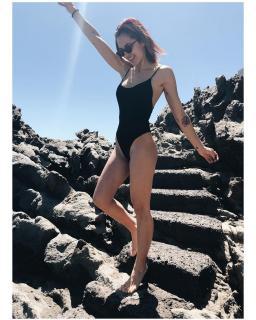 Michelle Calvó en Bikini [1080x1350] [336.75 kb]