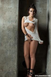 Alexandra Tyler en Playboy Desnuda [683x1024] [171.19 kb]