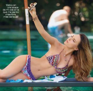 Belinda Peregrín en Bikini [1312x1295] [286.38 kb]