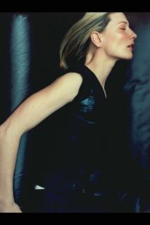 Cate Blanchett [2048x3072] [292.96 kb]