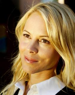 Maria Bello [1655x2100] [383 kb]