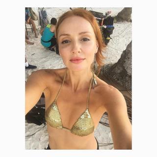 Cristina Castaño en Bikini [1080x1080] [213.56 kb]