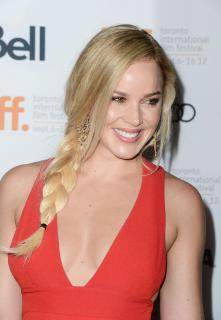 Abbie Cornish [1200x1733] [259.3 kb]