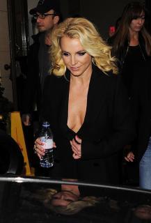Britney Spears [1666x2449] [433.99 kb]