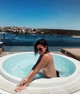 Adriana Torrebejano in Topless [907x1072] [185.58 kb]