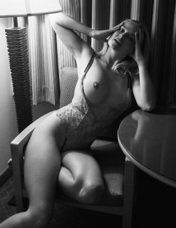 Genevieve Morton Nude [1485x1920] [446.05 kb]
