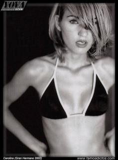 Carolina González en Bikini [615x830] [67.28 kb]