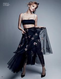 Haley Bennett en Vogue [740x959] [100.51 kb]