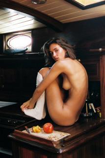 Johanne Landbo en Playboy Desnuda [1931x2880] [1368.84 kb]