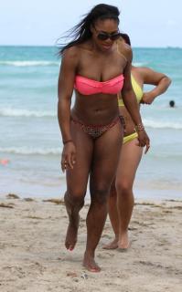 Serena Williams en Bikini [760x1216] [135.83 kb]