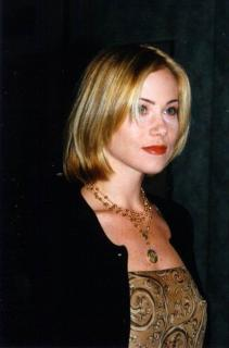 Christina Applegate [396x600] [30.44 kb]