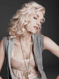 Gwen Stefani [1200x1600] [235.79 kb]