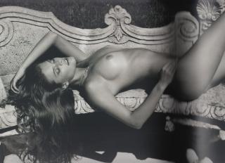 Nina Agdal Desnuda [4210x3062] [2455.87 kb]