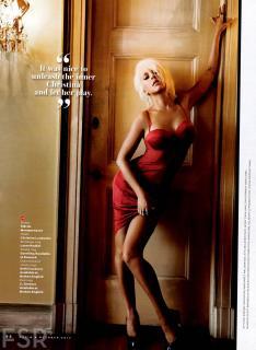 Christina Aguilera en Maxim [1600x2188] [365.44 kb]