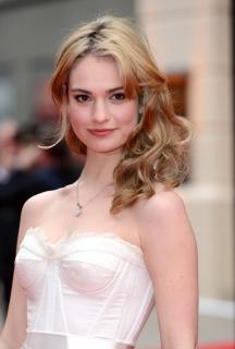 Lily James [740x1094] [138.73 kb]