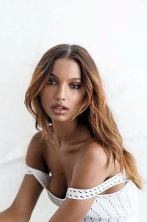 Jasmine Tookes en Maxim [1393x2089] [210.46 kb]
