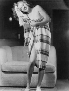 Marilyn Monroe [397x522] [28 kb]