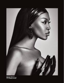 Naomi Campbell en Lui Magazine [1238x1592] [229.24 kb]