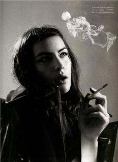 Liv Tyler [856x1180] [109.9 kb]