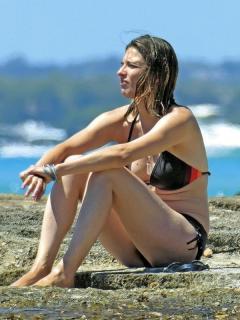 Sandra Barneda en Bikini [600x800] [129.09 kb]
