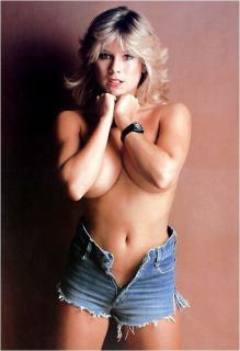 Samantha Fox en Playboy [526x768] [51.21 kb]