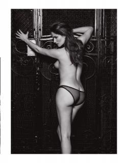 Marie Gillain in Lui Magazine Nude [928x1200] [205.91 kb]