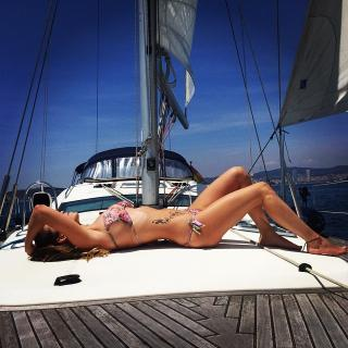 Raquel Mauri en Bikini [640x640] [113.72 kb]