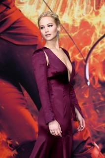 Jennifer Lawrence [2600x3900] [1191.39 kb]