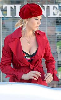 Jenna Elfman [926x1500] [128.09 kb]