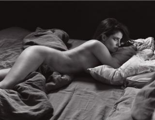 Marie Gillain in Lui Magazine Nude [920x711] [100.75 kb]