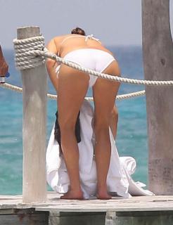 Kate Walsh en Bikini [800x1040] [70.44 kb]