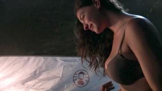 Jamie Gray Hyder en Inhumans Bikini [1280x720] [117.14 kb]