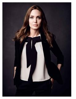 Angelina Jolie [1118x1447] [141.55 kb]
