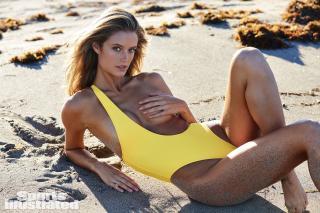 Kate Bock en Si Swimsuit 2018 [1920x1280] [622.96 kb]